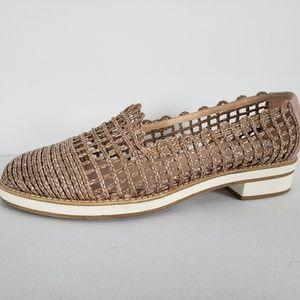 Stuart Weitzman Blush Woven Shoes Size 8.5